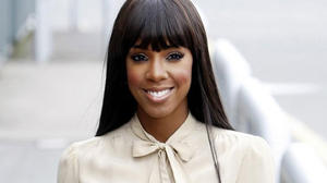 kelly_rowland_the_hot_desk