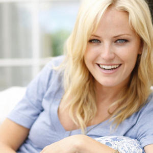 malin-akerman-charming_85337-1440x900